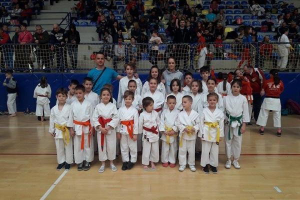 uskrsnji-turnir-bac-karate-klub-soko-novi-sadb7de0fff-673b-c84c-4985-feddfa558a43-min654DD0C1-EBBA-FB38-11EB-1FA3B19BBC43.jpg
